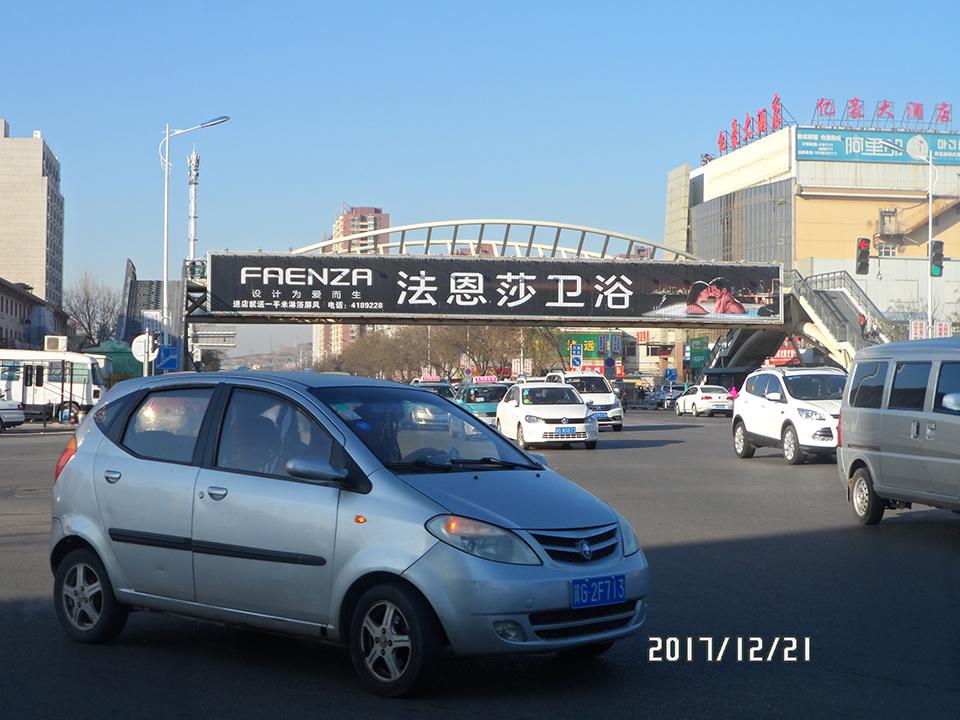 张家口跨路桥三面翻广告资源