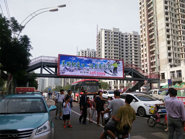 张家口建国路过街天桥LED广告